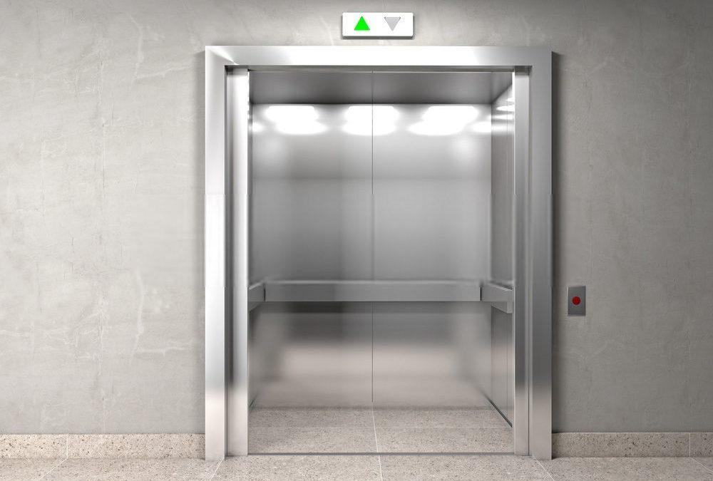 ¿Es obligatorio poner el ascensor en una Comunidad de Vecinos?